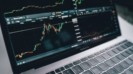 An Investor's Guide on How to Trade on the Hong Kong Stock Exchange